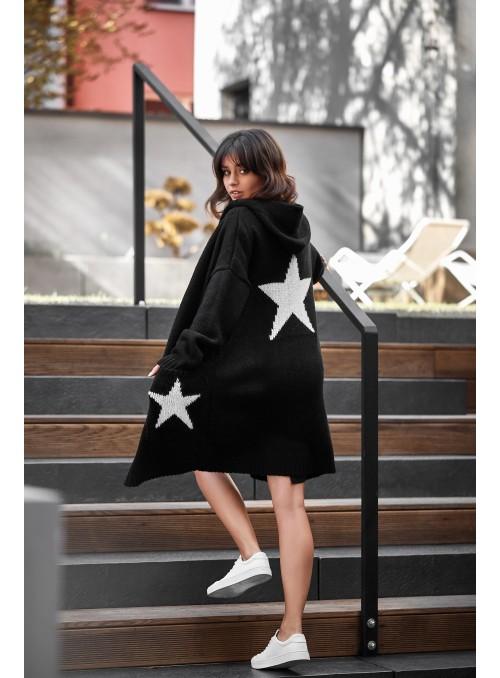 Juodas megztinis su žvaigždėmis