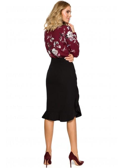 Juodas sijonas su raukinuku