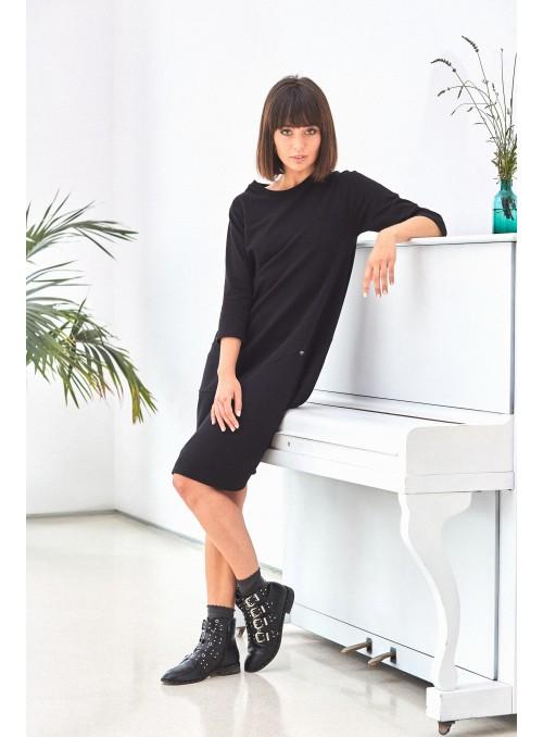 Patogi juoda suknelė