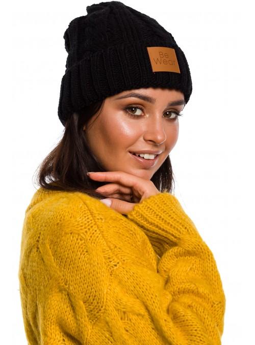 Juoda kepurė