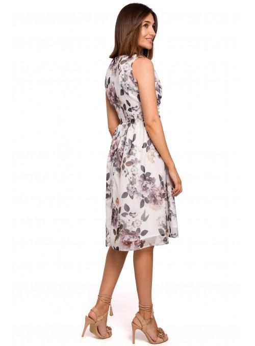 Balta, gėlėta suknelė