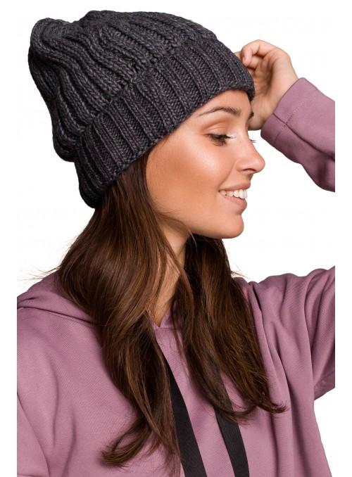 Šviesiai ruda kepurė