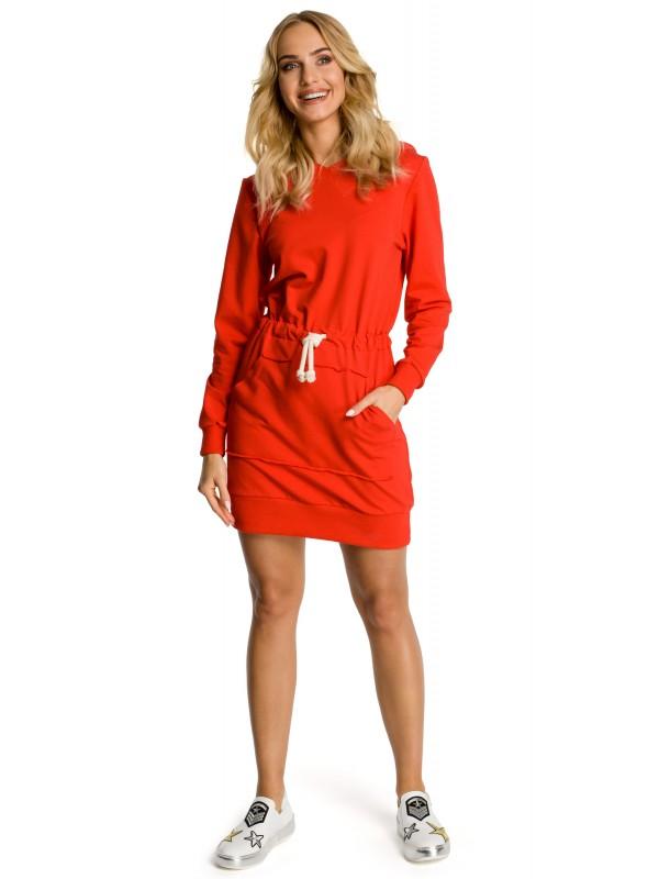 Raudona sportinio stiliaus suknelė